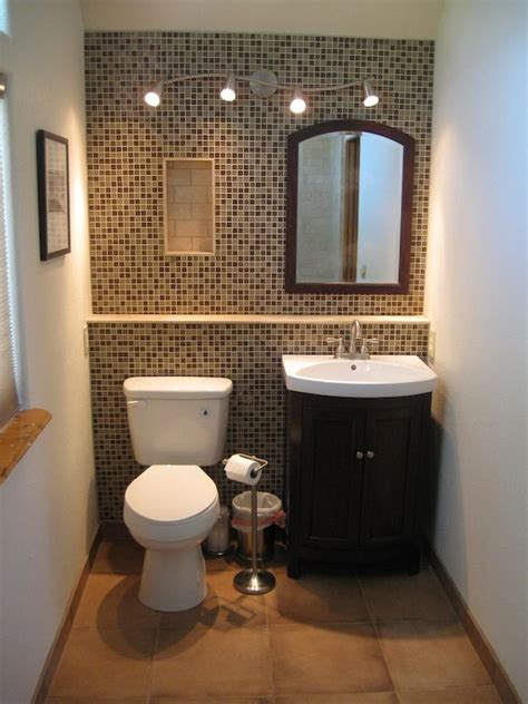 Painting Ideas For Bathrooms Small by Best 25 Small Bathroom Paint Ideas On Small