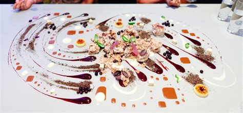 alinea table cuisine what visiting alinea restaurant taught me about business