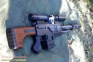 Warhammer 40,000 (video game) Sniper lasgun (Long Las ...