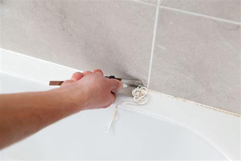 changer un joint silicone de baignoire diy family