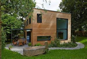 Kleines Holzhaus Kaufen : kleines haus bauen kleines haus bauen 34 interessante designs ideen kleines haus modern bauen ~ Whattoseeinmadrid.com Haus und Dekorationen