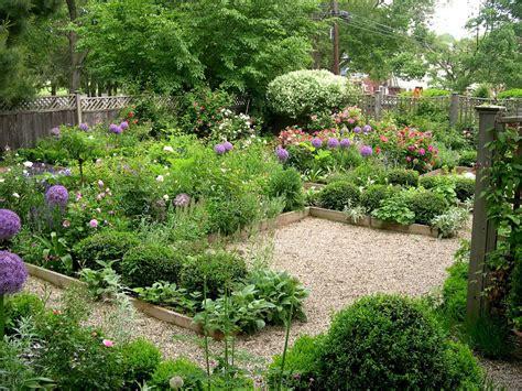 Backyard Garden by 4 Backyard Garden Ideas You To Try Immediately