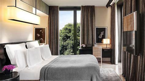 refined  elegant bulgari hotel   city  milan italy