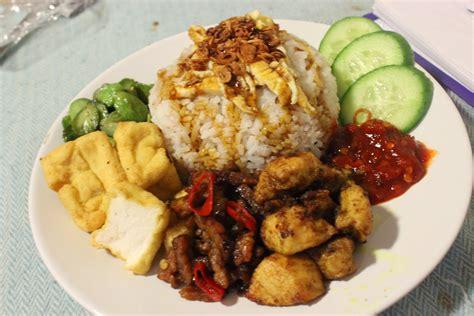 hungry foodtech nasi uduk komplit indonesian