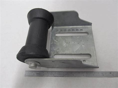 Boat Trailer Roller Assy by 090850 10 Moeller 5 Quot Panel Bracket Assy With 5 Quot Keel