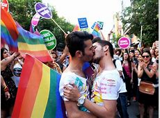 Istanbul bans annual gay pride march on security grounds