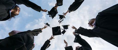 高校毕业生如何落户青岛?分两种情况告诉你答案!_腾讯新闻
