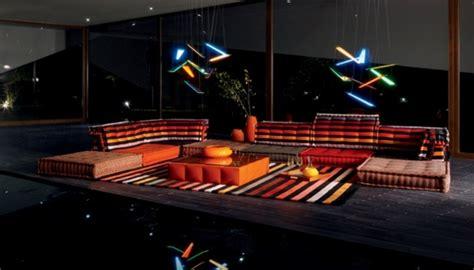canapé ras du sol ameublement design du salon 46 idées par roche bobois