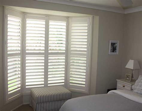 bay window shutters  edinburgh shutter