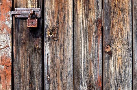padlock door lock  metal  photo  pixabay