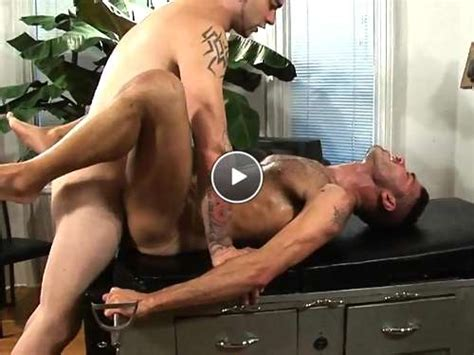 Hot Gay Vids He Hunched And Face To Face Gay Brazil Sex