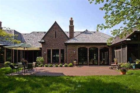 world transitional ranch style home  bannockburn