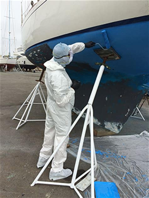 Applying Bottom Paint New Boat by How To Choose And Apply Antifouling Paint For Your Boat