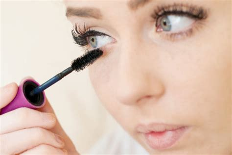 easy makeup tips  college girls makeup tips  college students