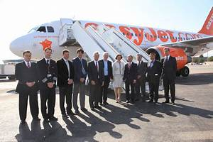 Easy Jet Paris Nice : easyjet opens new bases in toulouse and nice business ~ Medecine-chirurgie-esthetiques.com Avis de Voitures