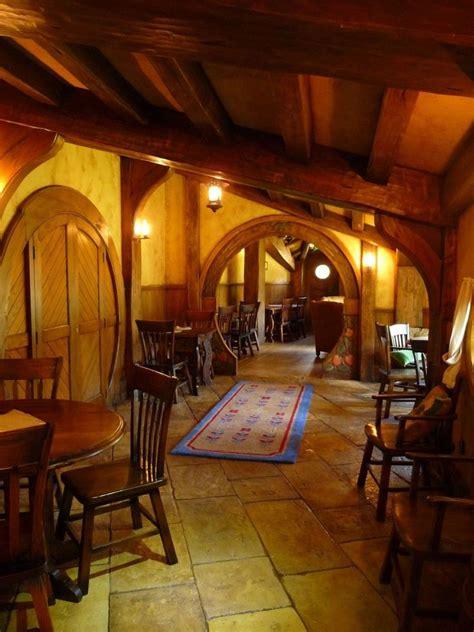 hobbit home interior 25 b 228 sta hobbit houses id 233 erna p 229 pinterest hobbith 229 l tr 228 kojor och kojor i tr 228 d