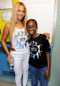 SURPRISE Beyonce Crashes New York School Students For Let