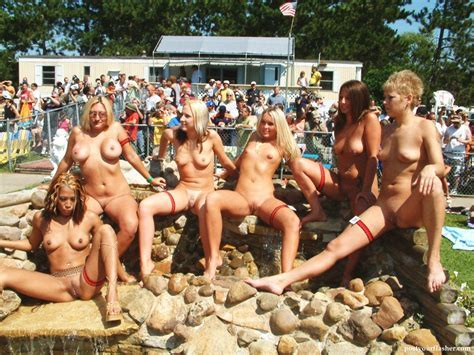 Nudes A Poppin Contest Pictures Naked And Nude In Public Pics