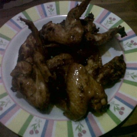 Agar mendapatkan rasa dan tesktur ayam yang sempurna, sebaiknya rendam ayam dengan lada dan garam kemudian di goreng sampai matang. Sayap Ayam Pedas Spesial dengan Kecap Manis Bango | Sayap ayam, Ayam, Resep
