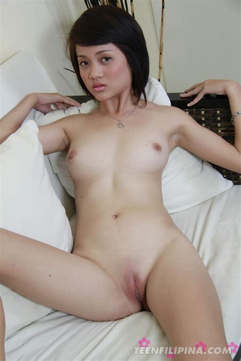 Teen Filipina Babe Princess Shows Off Her Hot Nude Asian Body