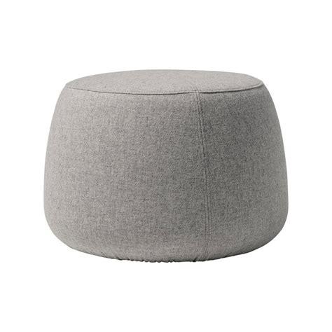 pouf rond gris pouf en laine sit bloomingville chez pure