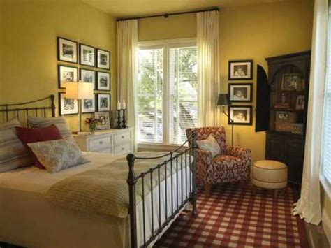 Guest Bedroom From Hgtv Green Home