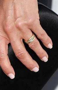 jennifer aniston debuts wedding ring at movie premiere With jennifer aniston wedding ring