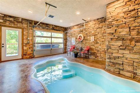 cottages with pool and tub mountain splash 2 bedrooms sleeps 6 indoor pool