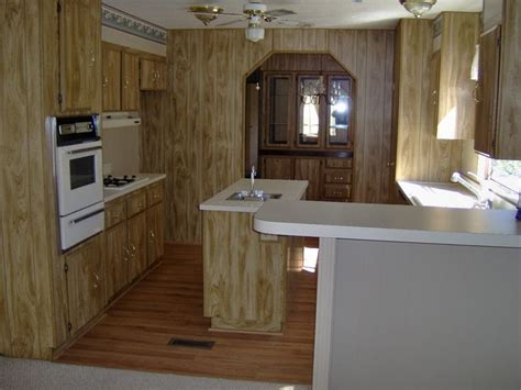 what to look for in a kitchen sink 1000 ideas about small manufactured homes on 2246