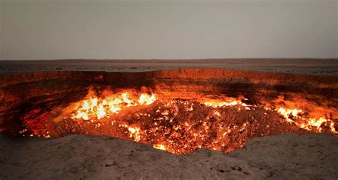 gas burning pit gates of hell turkmenistan a open pit of burning