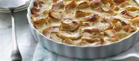cuisine clafoutis aux pommes clafoutis aux pommes recette plaisirs laitiers