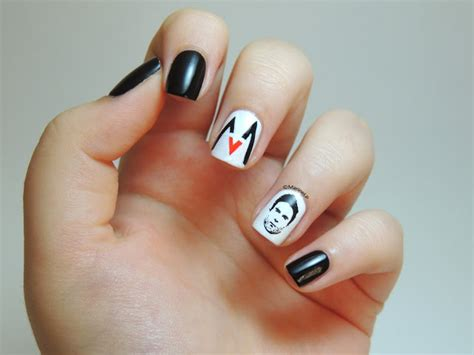 My Maroon 5 Manicure Feat. Adam Levine (yes, He Is On My