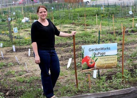 glen ellyn womans gardenworks helps needy families grow