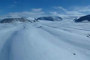Canadian Arctic – New fractures in centuries-old ice shelf ...  Arctic