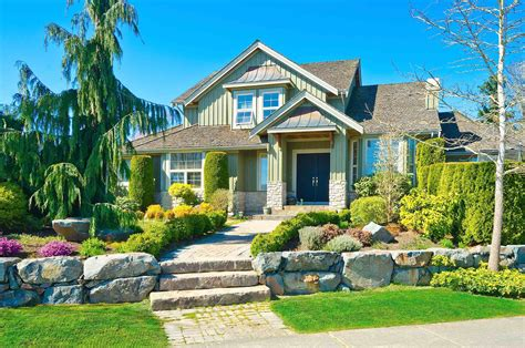 Easy Tricks To Improve Your Home's Curb Appeal