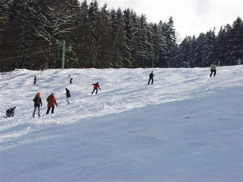 piste de ski interieur belgique pictures mont des brumes resort belgium