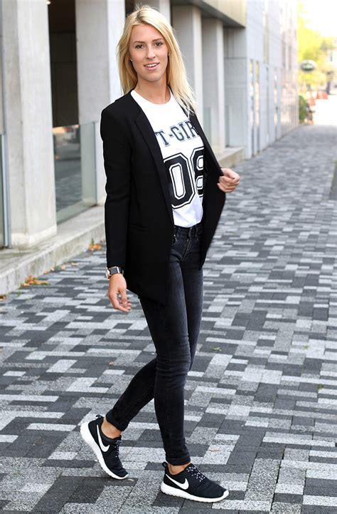 Outfit of the Day Sporty Chic - Follow Fashion