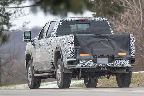 2020 Gmc 2500 Mirrors by 2020 Gmc Hd Spied In Denali Crew Cab Configuration