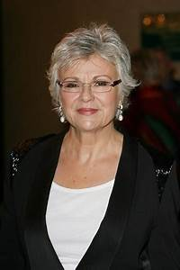 Hairstyles: Julie Walters Short Gray Layered Hairstyle