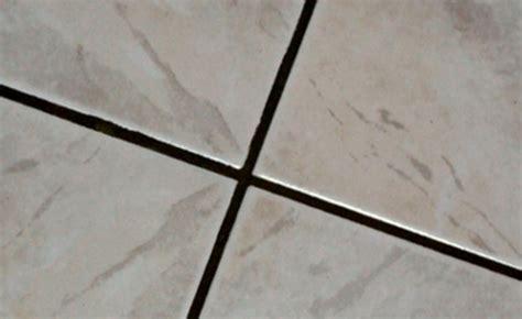 nettoyer les joints du carrelage comment nettoyer tr 232 s rapidement les joints encrass 233 s de votre carrelage