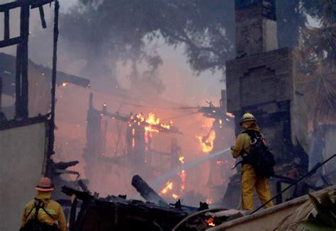 Thomas Fire burning near Ventura, thousands evacuated ...