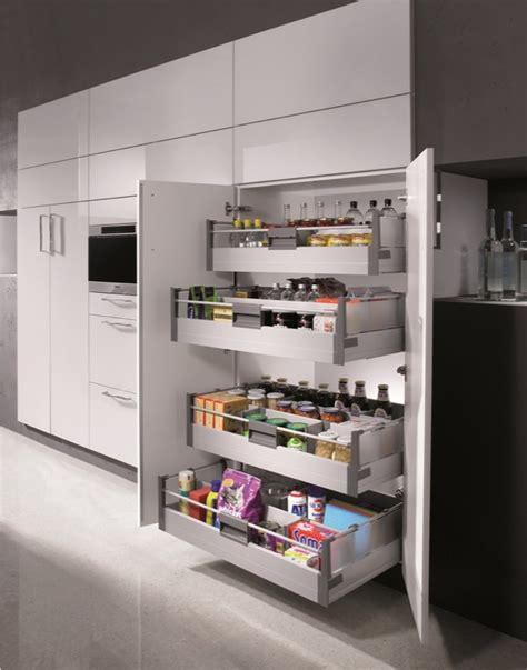 amenagement placard cuisine coulissant agencement et équipements de cuisines haut de gamme sur