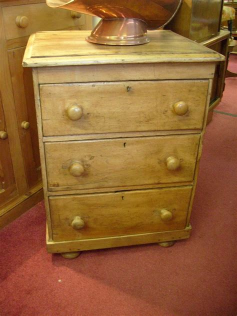 antique pine  images pine furniture antiques dresser  nightstand