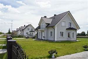 Graue Fassade Weiße Fenster : elewacje zuzzy szaro ci przed wielkanoc ~ Markanthonyermac.com Haus und Dekorationen