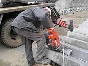 Řezání cihel motorovou pilou