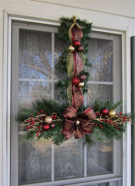 christmas swags wreaths images  pinterest