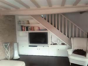 Aménagement Sous Escalier : charmant meuble tv sous escalier 12 meubles sous pente amenagement sous pente construire un ~ Preciouscoupons.com Idées de Décoration