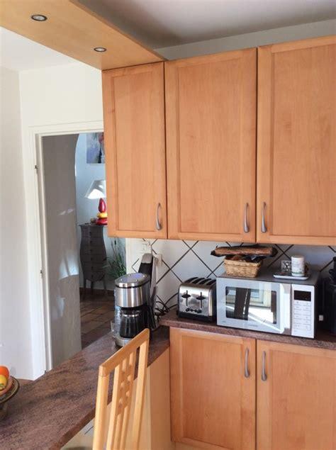 cuisine hetre relooker une cuisine en hêtre