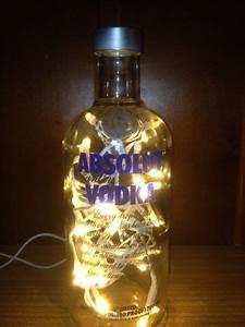 Flasche Mit Lichterkette : absolut vodka flasche led beleuchtet von taunus bottles auf taunus bottles ~ Frokenaadalensverden.com Haus und Dekorationen