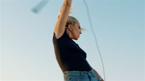 Lady Gaga Releases 'perfect Illusion' Video!  Kiss 925